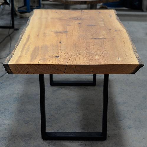 Itu Dining Table