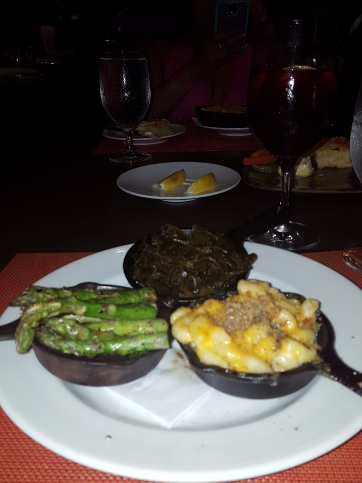 Trio Side Plate with asparagus, mac and cheese, and collard greens.