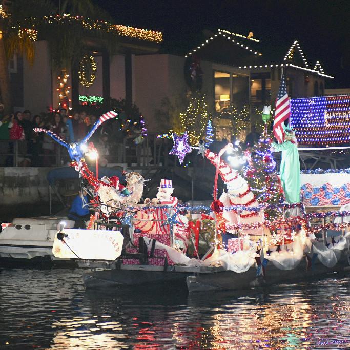 Holiday Boat Parade Naples
