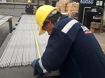 Control dimensional de barras de acero inoxidable