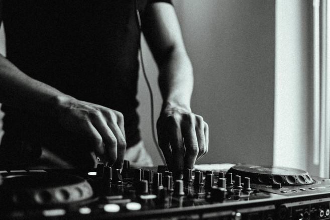 Seven Angels (DJ)