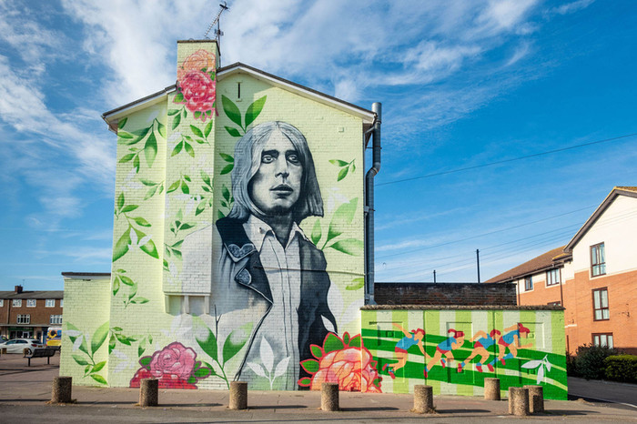 Bilton Grange Mick Ronson Mural Hull by Lydia Caprani and Spray Creative
