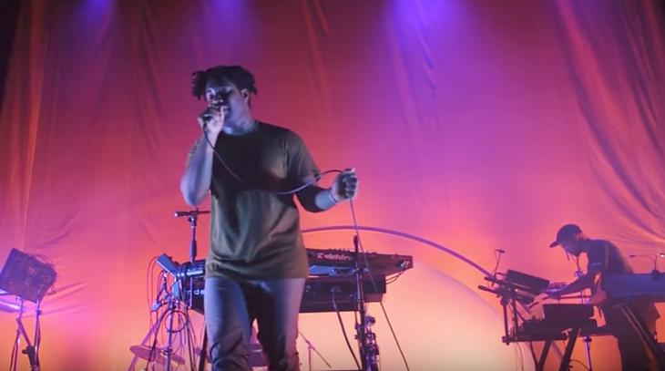 Sampha performing in Atlanta in May 2017