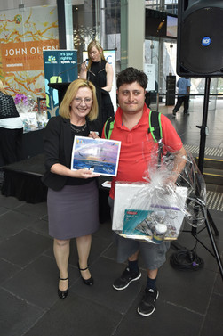 Lynne Coulson Barr presenting the 'Mental Health Complaints Commissioner' award to Peter Gaullucio.