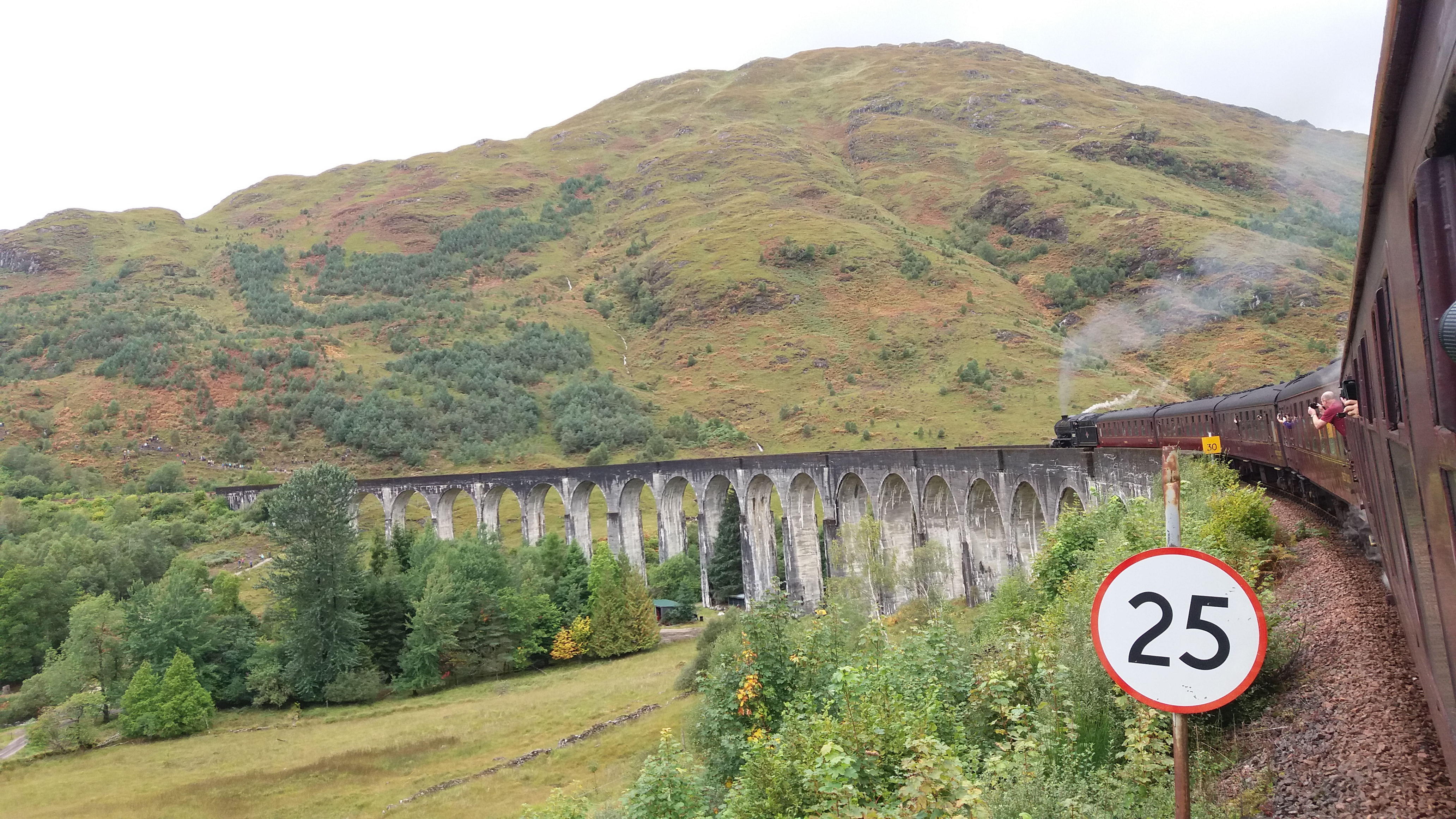 Glenfinnan Viaduct (Harry Potter)