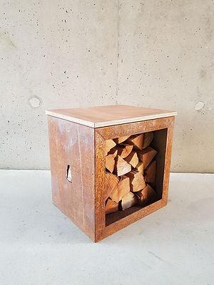 Woodchuck Box - houtopslag met zitbank in cortenstaal