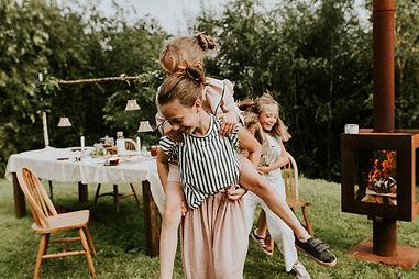 Woodchuck S tuinkachel met kids.jpg
