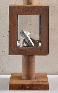 Gesloten tuinhaard in cortenstaal met 4-zijdig glas