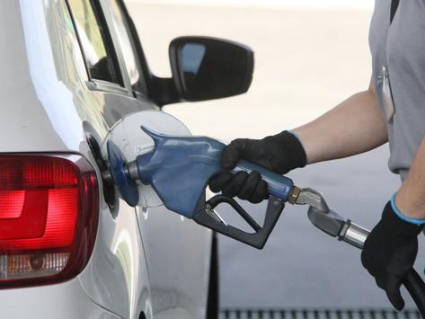 Petrobras anuncia mais um reajuste no preço da gasolina e do diesel a partir de amanhã, terça-feira