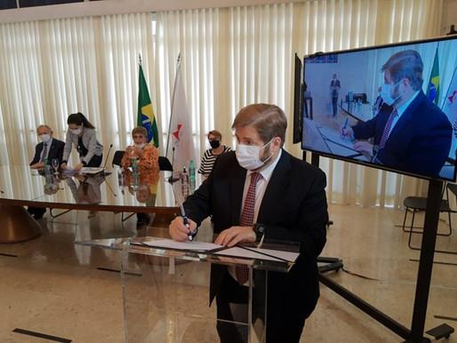 Assembleia Legislativa promulga acordo que repassa dinheiro da Vale direto aos municípios mineiros