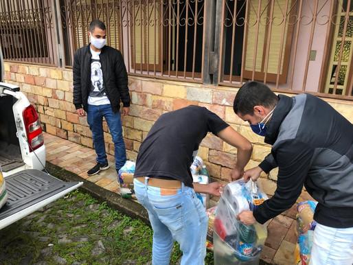 República de Ouro Preto doa cestas básicas para moradores da cidade