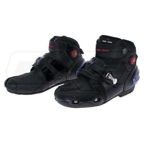 Botas para moto tipo zapatilla caña media ajuste broche superior speed