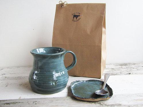 Farmhouse mug and tea bag plate