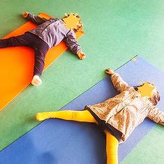yoga enfants petits.jpg