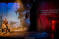Texte et mise en scéne Julie Vincent Avec Ligia Borges Paulo Arcuri Roberta Stein Musique Michel Smith