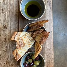 Bread, oli & olives