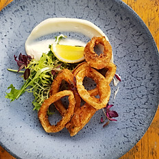Dusted squid rings & chilli mayo
