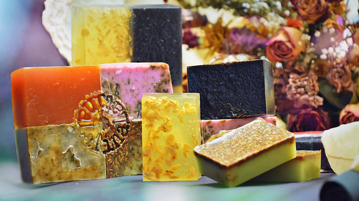 HERBS AND FLOWERS SOAPS SET