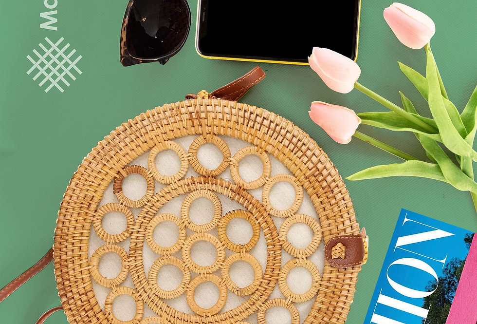 10-Inch Round Rattan Bag   Summer Essential Straw Bag for Women (Circles)