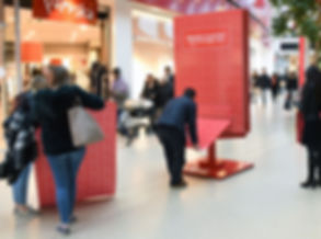Brussels Airport - Muppi JCDecaux décoré noir mat + sound system