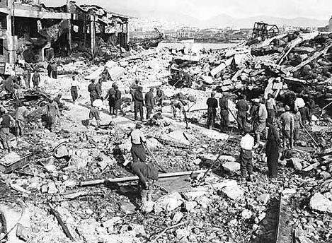 German_bombing_of_Piraeus.jpg