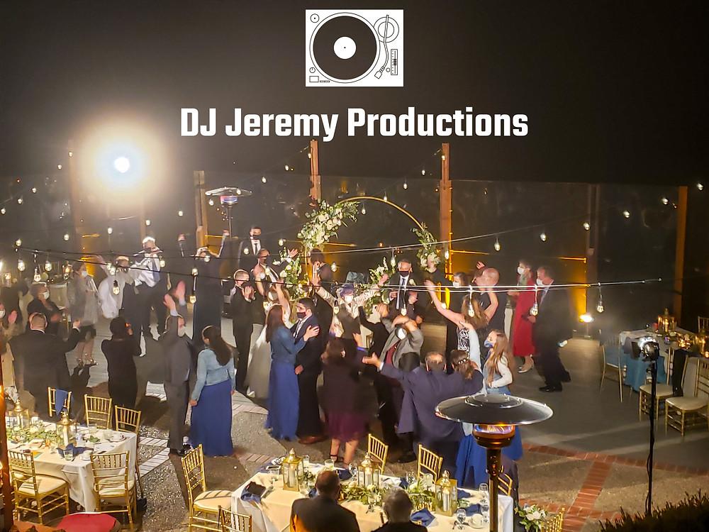 Berkeley Country Club wedding photo social distance