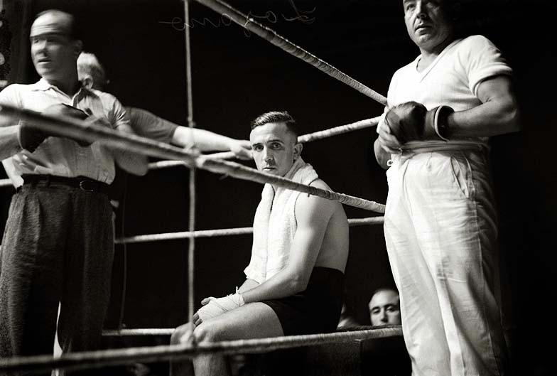 Brangulí_-_1935_-_Boxa,_Salvador_Lozano_vs_Victor_Young_Pérez_en_el_Teatro_Olymp