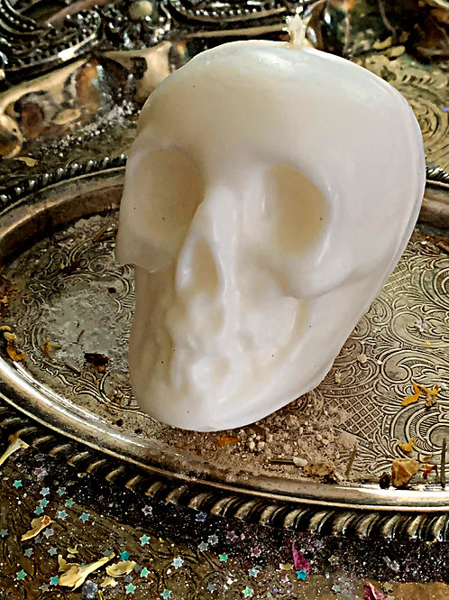White Skull Candle- Drawin the Healing Energy of White Light