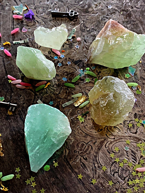 RawGreenCalcite-Brings Prosperity to the Household, Cleansing, Detoxifies