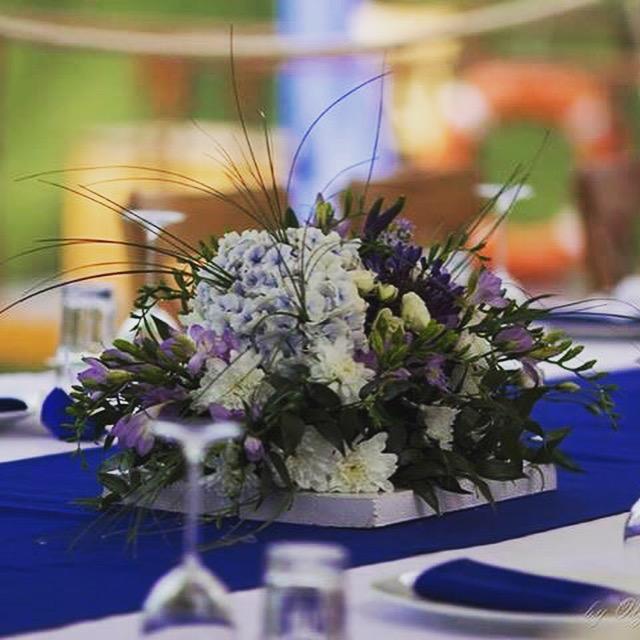 Цветы на праздник. Оформлениесвадьбы