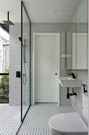 16. Bath 2.jpg