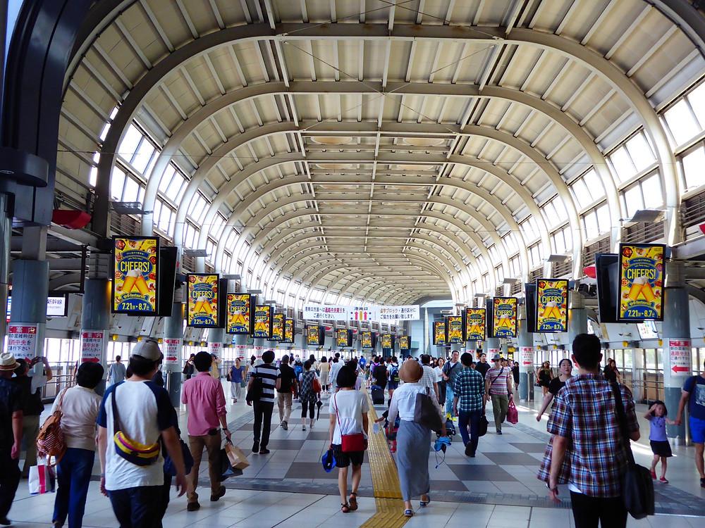 デジタルサイネージ(品川駅)