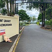 Mt Gravatt Showgrounds entrance.jpg