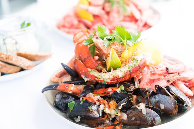plate-of-mixed-seafood