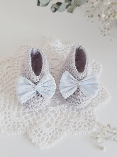 Chausson bébé gris, Chausson tricoter, noeud bleu