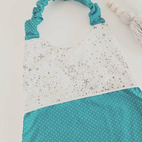 Serviette de cantine liberty gris et tissu vert/turquoise à pois