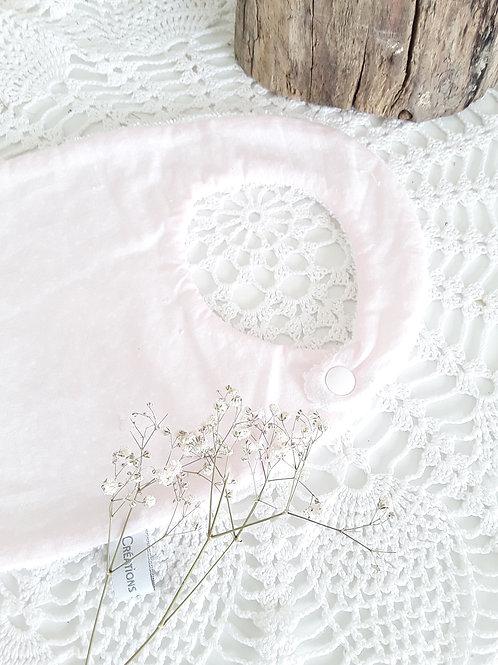 Bavoir naissance rose pale à pois blanc  0/6 mois