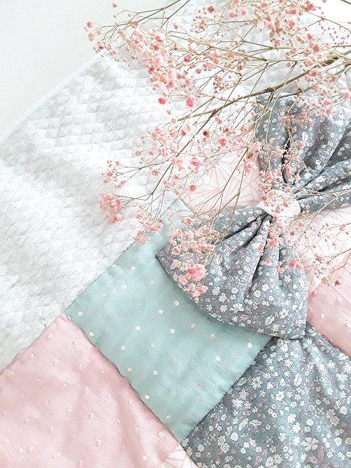 Couverture bébé /Couverture grise et rose