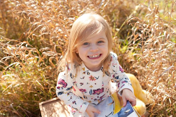 golden hour ourdoor fall girl