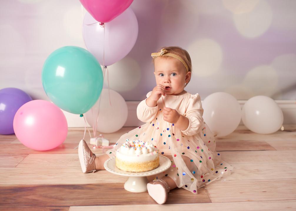 birthday in studio girl balloons boken little smash cake