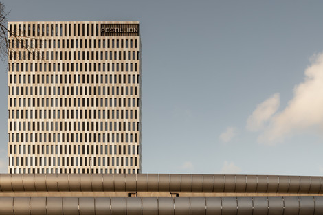Postillion Hotel / Concrete Architecten