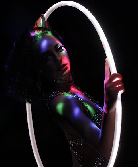 helen orford hula hoop performer london