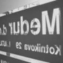 medur-vrata-bw.jpg