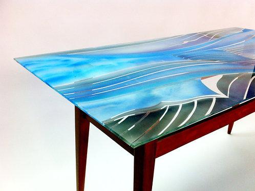 שולחן סלוני מחומרים ממוחזרים