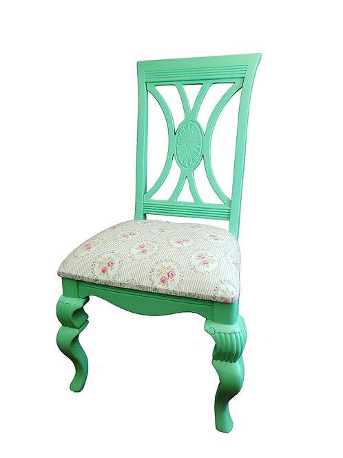 כיסא מרופד מלכותי בירוק
