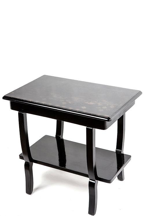 שולחן צד בשחור עם עיטורים מזהב