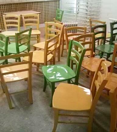 כיסאות בצביעה - מעצבע