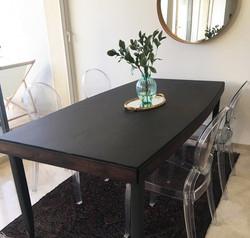 שולחן ליאורה  מעצבע _ אחרי חידוש