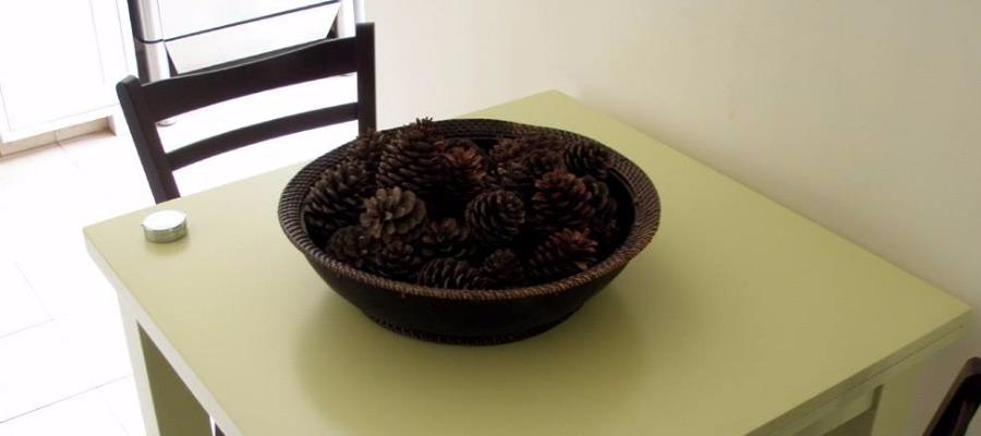 שולחן אוכל וינטג' - מעצבע