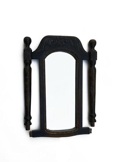 מראה לתלייה על הקיר מגב מושב ממוחזר של כיסא